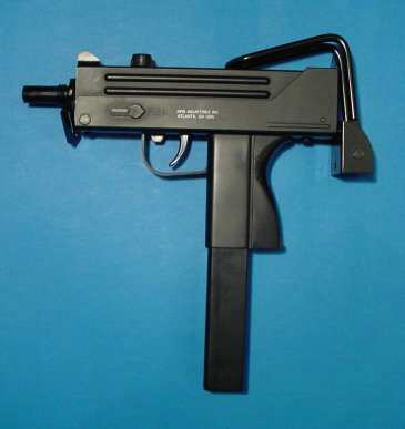 Armas ligeras y de acompañamiento de las FFAA Khc_ingram_mac10